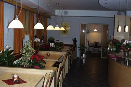 Gasthaus in Monakam